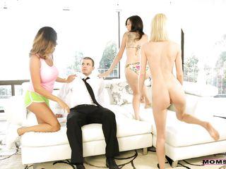 Смотреть скачать бесплатно порно мамочек