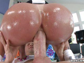 Порно зрелых женщин с большой жопой