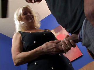 Порно трахнул бабушку